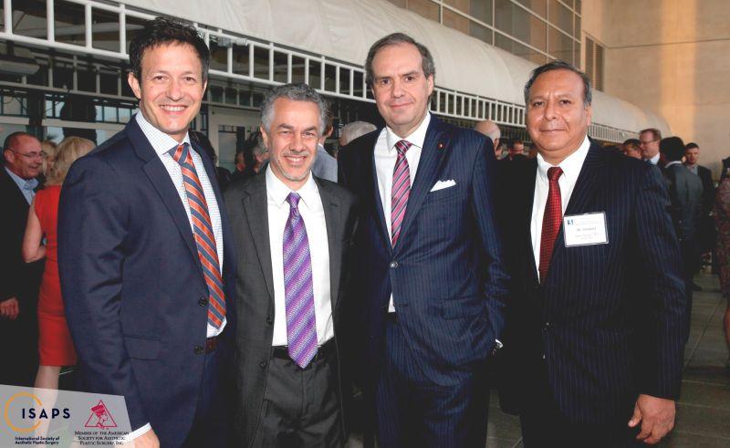miembros de la ISAPS
