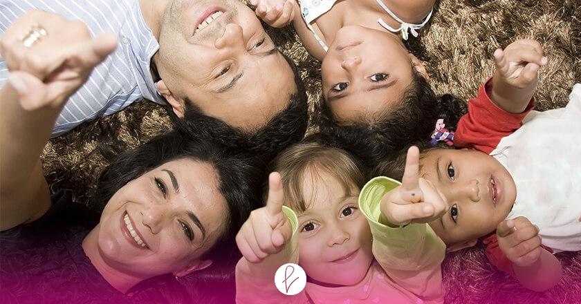 Lema: Construir un mundo más justo y saludable